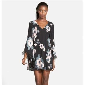 Astr Bell Sleeve Lace Trim Floral Shift Dress